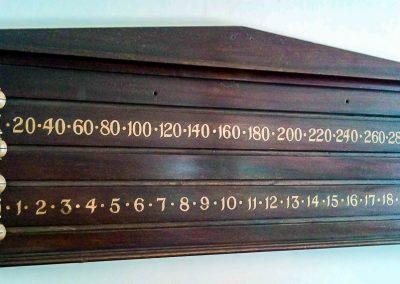 Mahogany-Pediment-Groove-Slider-scoreboard